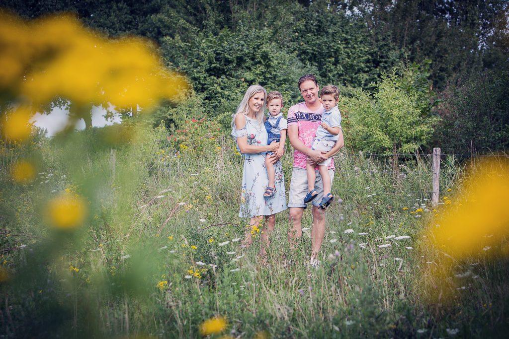 Maartje Maakt newbornfotograaf Echt en kinderfotograaf in Limburg met vintage retro stijl en luxe fotoproducten23