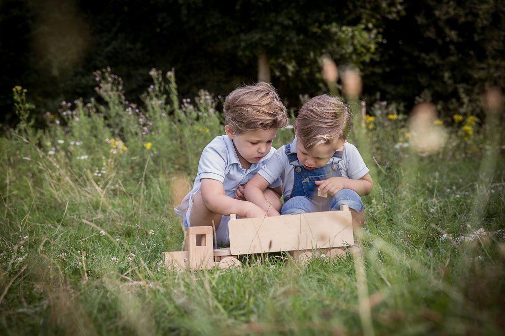 Maartje Maakt newbornfotograaf Echt en kinderfotograaf in Limburg met vintage retro stijl en luxe fotoproducten24