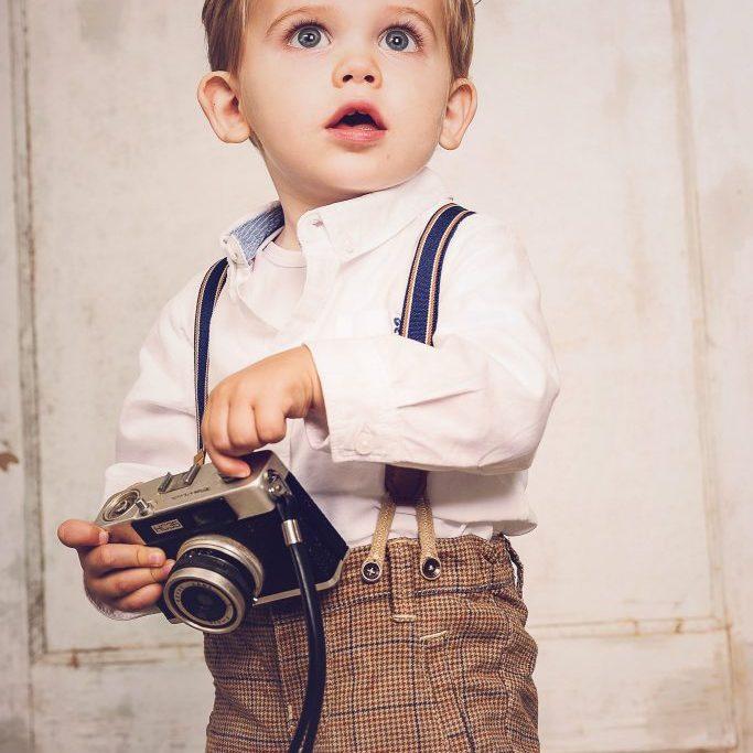 Maartje-Maakt-newbornfotograaf-Echt-en-kinderfotograaf-in-Limburg-met-vintage-retro-stijl-en-luxe-fotoproducten29-683x1024